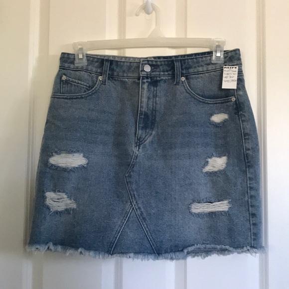 Volcom Dresses & Skirts - ✨Volcom Jeans Ripped Skirt✨